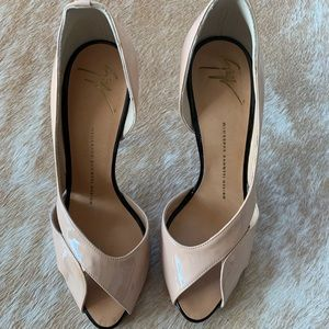 Giuseppe zanotti peep toe nude/pink heels